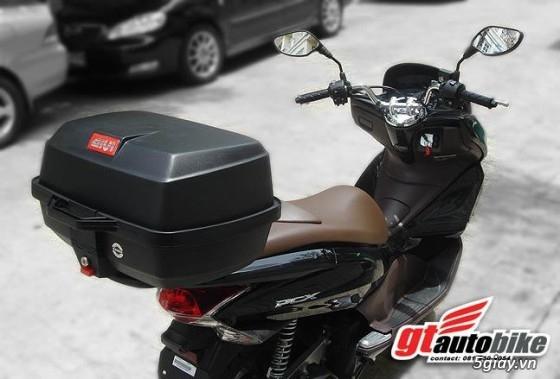 Thùng sau xe gắn máy và thùng giữa kappa (givi).