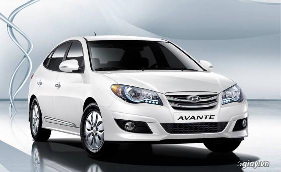 HCM -Cho thuê ôtô HYUNDAI AVANTE 5 chỗ đời 2014 xe đẹp màu trắng số tự động giá rẻ !
