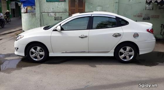 cần bán gấp xe avante màu trắng sữa,sxn 2012 - 2