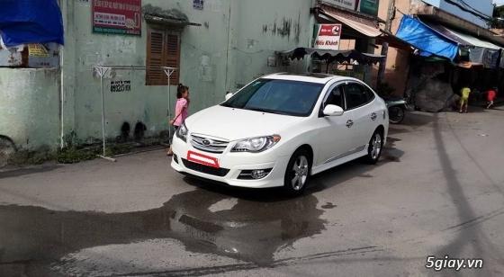 cần bán gấp xe avante màu trắng sữa,sxn 2012 - 9