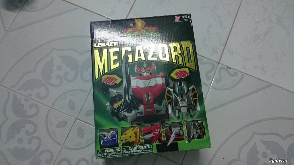 Cần bán Legacy Dino Megazord Bandai 2015 new 99,9%