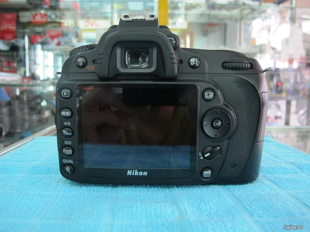 Nikon D90 hàng xách tay từ mỹ, ngoại hình mới 95%. 8,6k shot