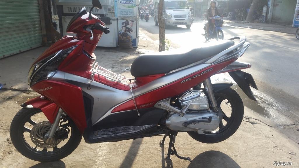 Air blade màu đỏ Fi