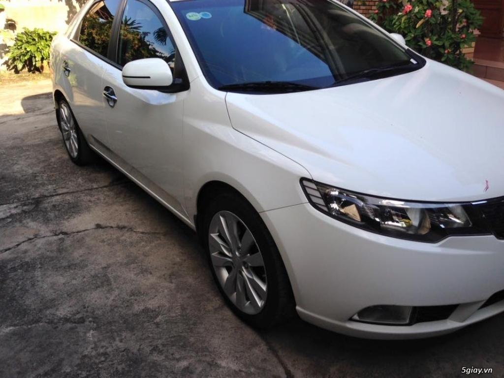 Kia Forte MT màu trắng 2012 - 2
