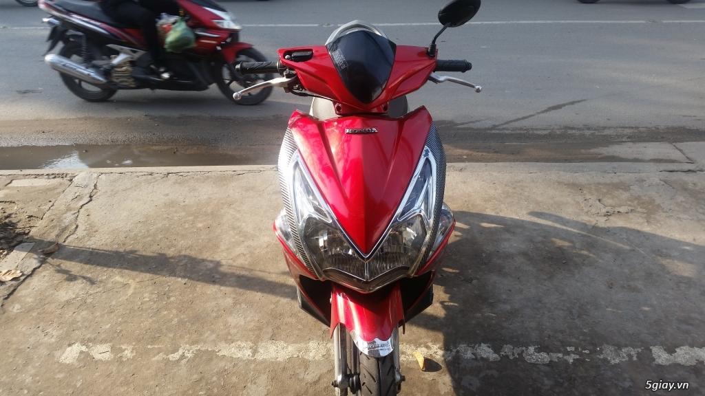Air blade màu đỏ Fi - 1