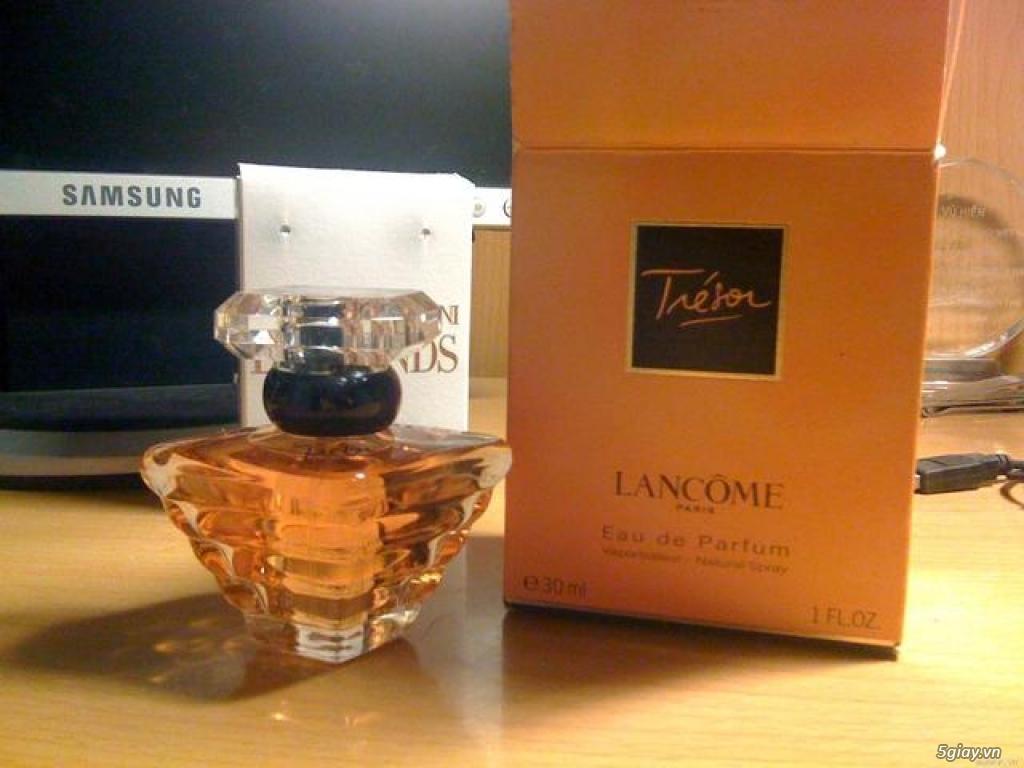 Cần bán set nước hoa Lamcome Tresor 30ml và Set Hugo Boss 30ml