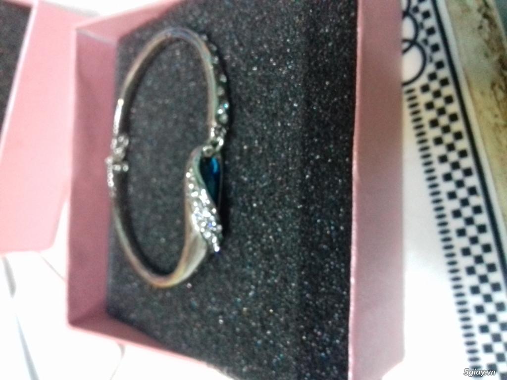 Crystal Ball chuyên cung cấp sỉ lẻ trang sức bạch kim mạ cao cấp, lấy hàng tận gốc với giá cực rẻ