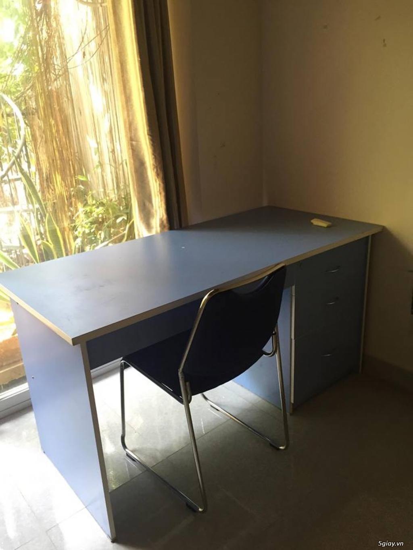 tủ trưng, bàn làm việc... thanh lý - 1