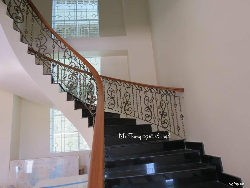 Cầu thang sắt mỹ thuật đẹp - 6
