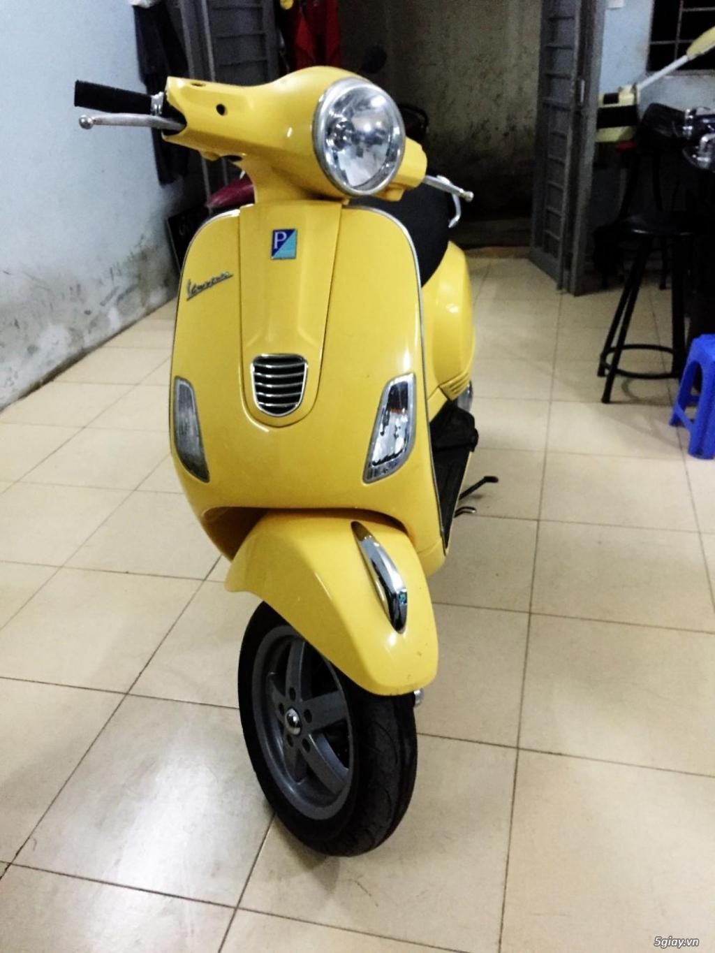 Vespa LX 125 vàng