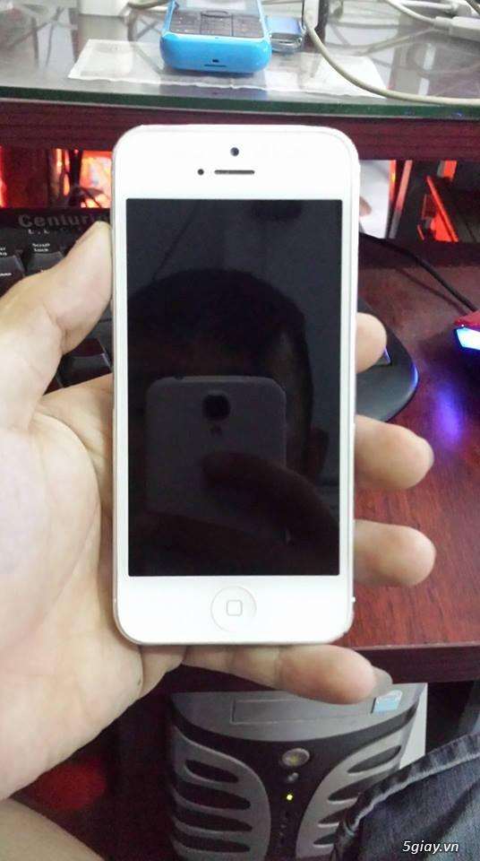 Cần bán 1 cặp iphone 5 trắng và đen 32gb - 1