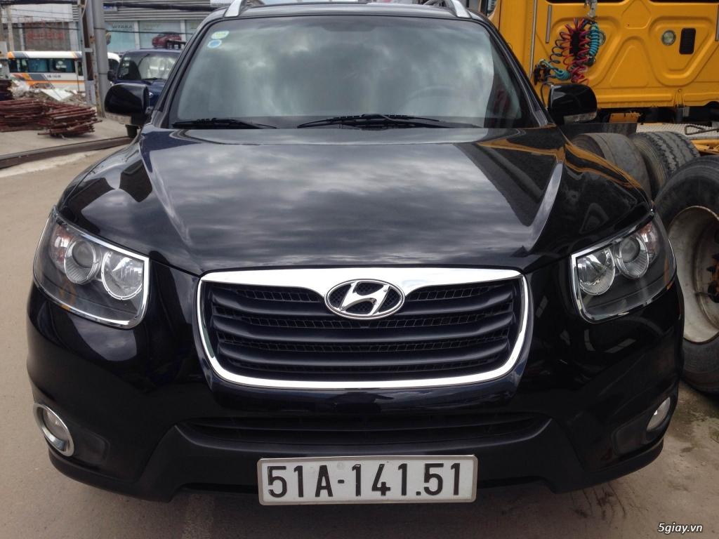 Bán Hyundai Santa Fe 2.0AT CRDi 2011 màu đen VIP biển Sài Gòn - 1