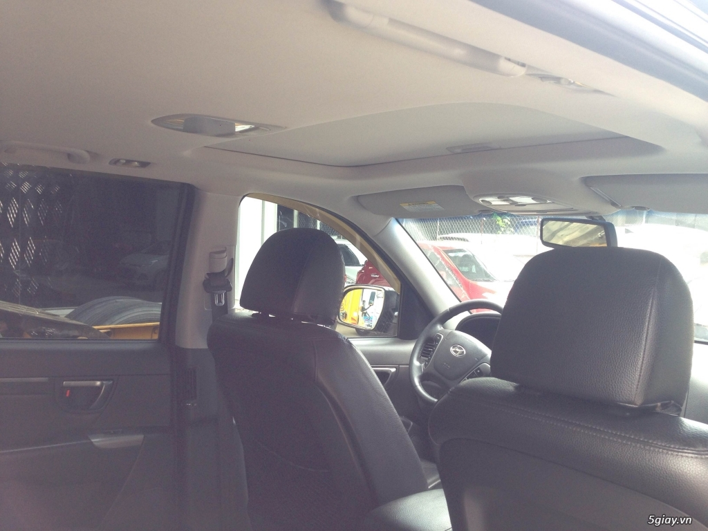 Bán Hyundai Santa Fe 2.0AT CRDi 2011 màu đen VIP biển Sài Gòn - 6