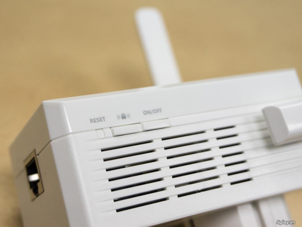 Mở hộp thiết bị mở rộng mạng WiFi TP-LINK TL-WA860RE - 133050