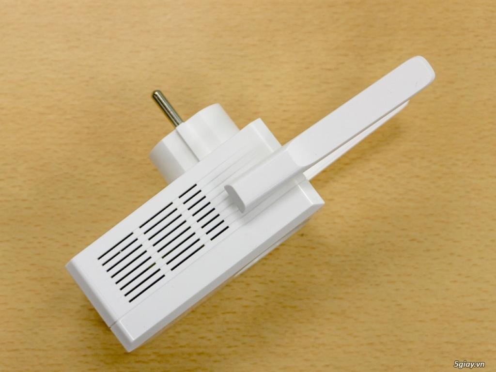 Mở hộp thiết bị mở rộng mạng WiFi TP-LINK TL-WA860RE - 133052