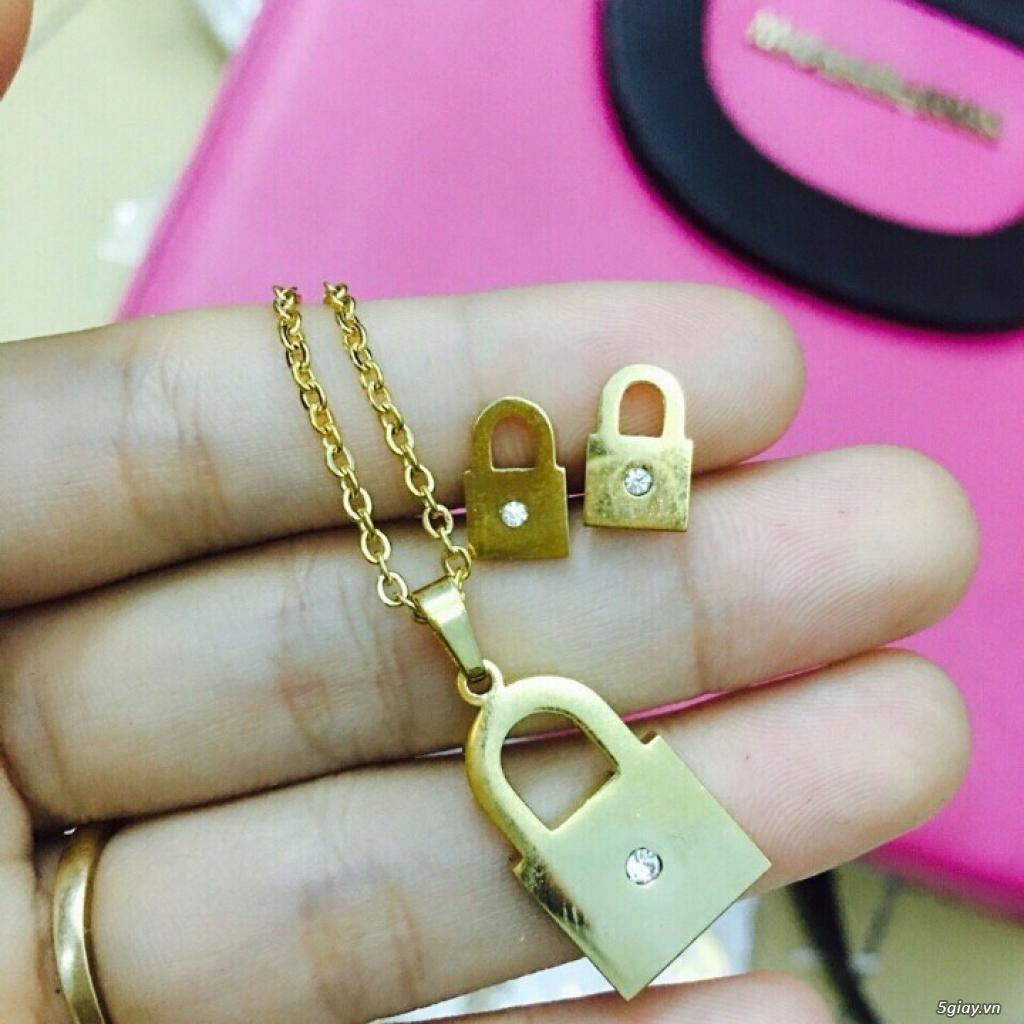 Zalo 0981662025. Bộ trang sức xi vàng 18--Giá sỉ 58k ( gồm 3 món : bông , dây & mặt).