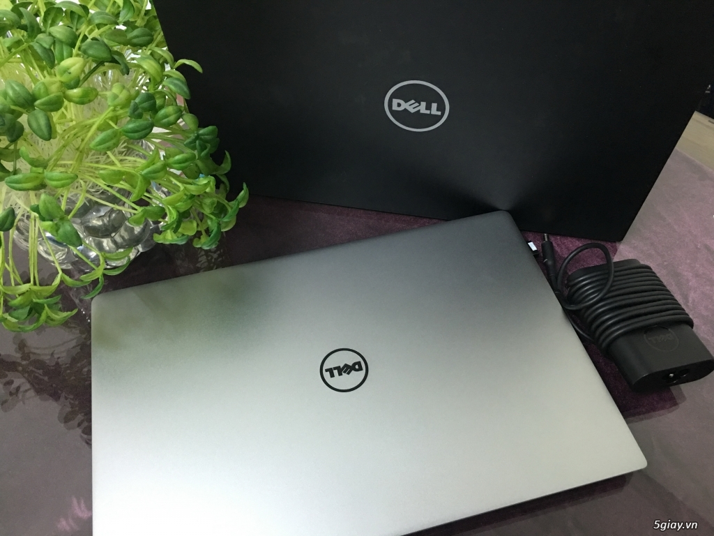 Dell Xps 13 Core I5-5200u 2.2GHZ, 8GB RAM, 256G SSD, touch screen - 1