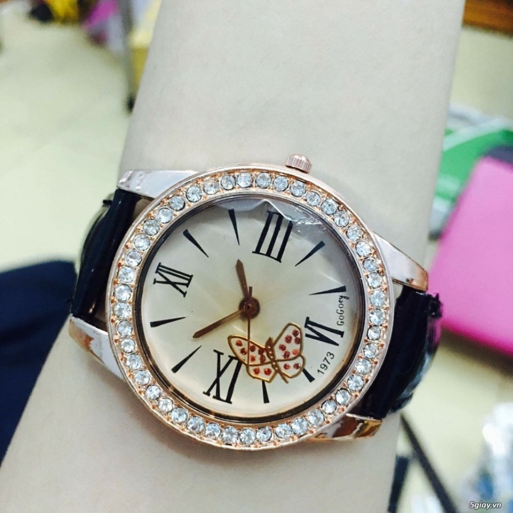 Zalo 0981662025. Đồng hồ  thời trang mới. giá sỉ 39k/cái. Có gần 200 kiểu . Web bansisaigon.com - 3