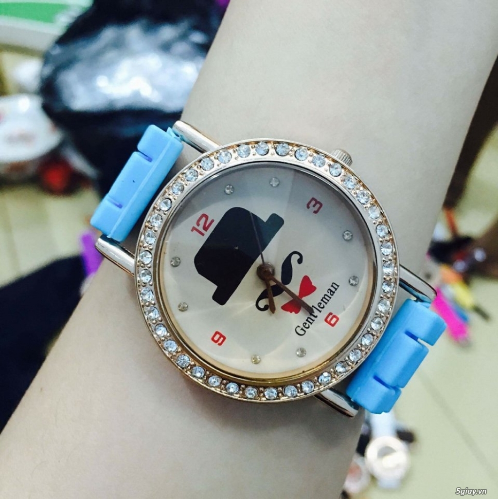 Zalo 0981662025. Đồng hồ  thời trang mới. giá sỉ 39k/cái. Có gần 200 kiểu . Web bansisaigon.com - 25