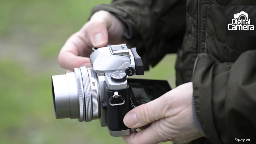 Máy ảnh Mirrorless Olympus OM-DE M10 xách tay Mỹ mới 99,99%