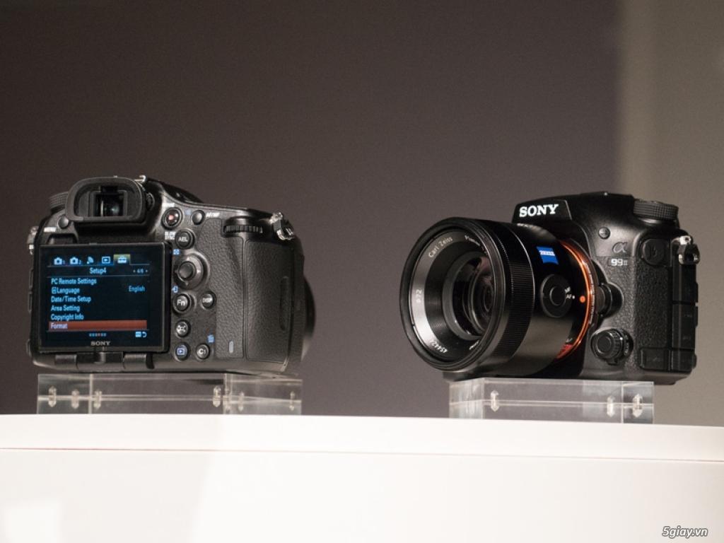 """Sony ra mắt máy ảnh DLSR 42 """"chấm"""""""