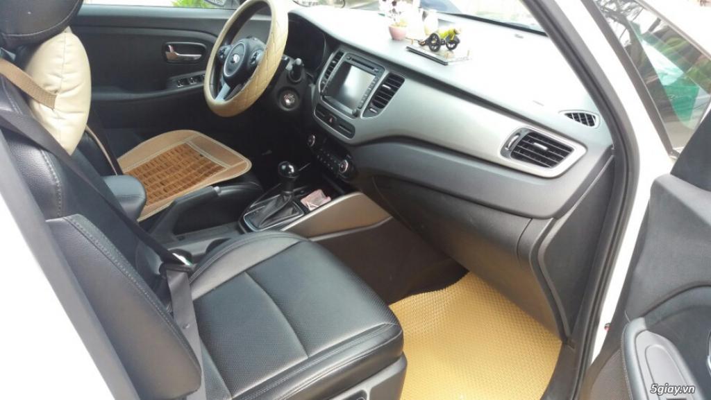 Cần bán lại xe Ô tô Kia Rondo mới mua 4 tháng