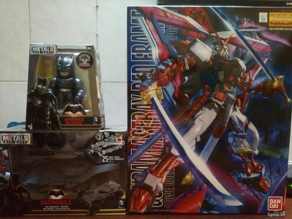 Gundam, Batman và xe mô hình - 1