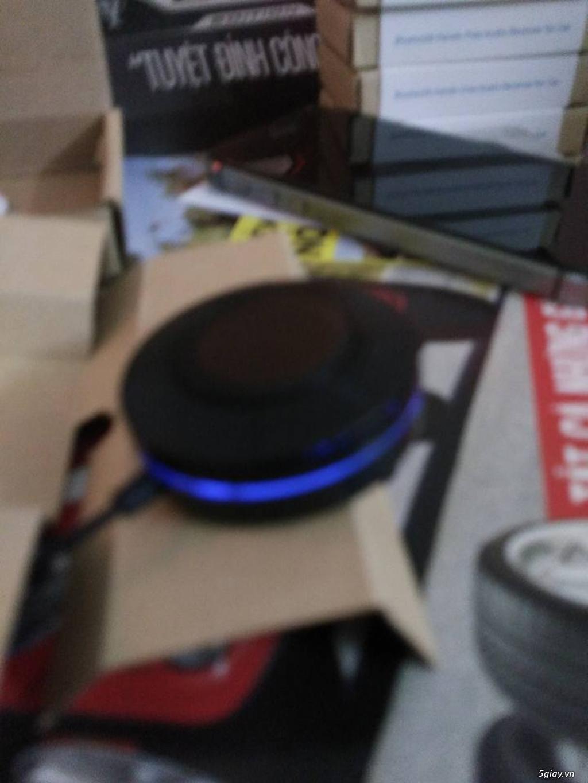 Thiết bị giúp máy tính bảng,điện thoại kết nối bluetooth với hệ thống loa trên xe qua cổng Aux