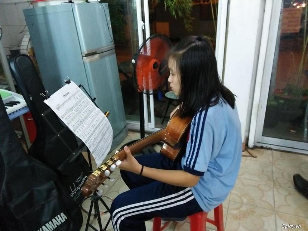 Nhận dạy kèm Guitar ở quận bảy - 2