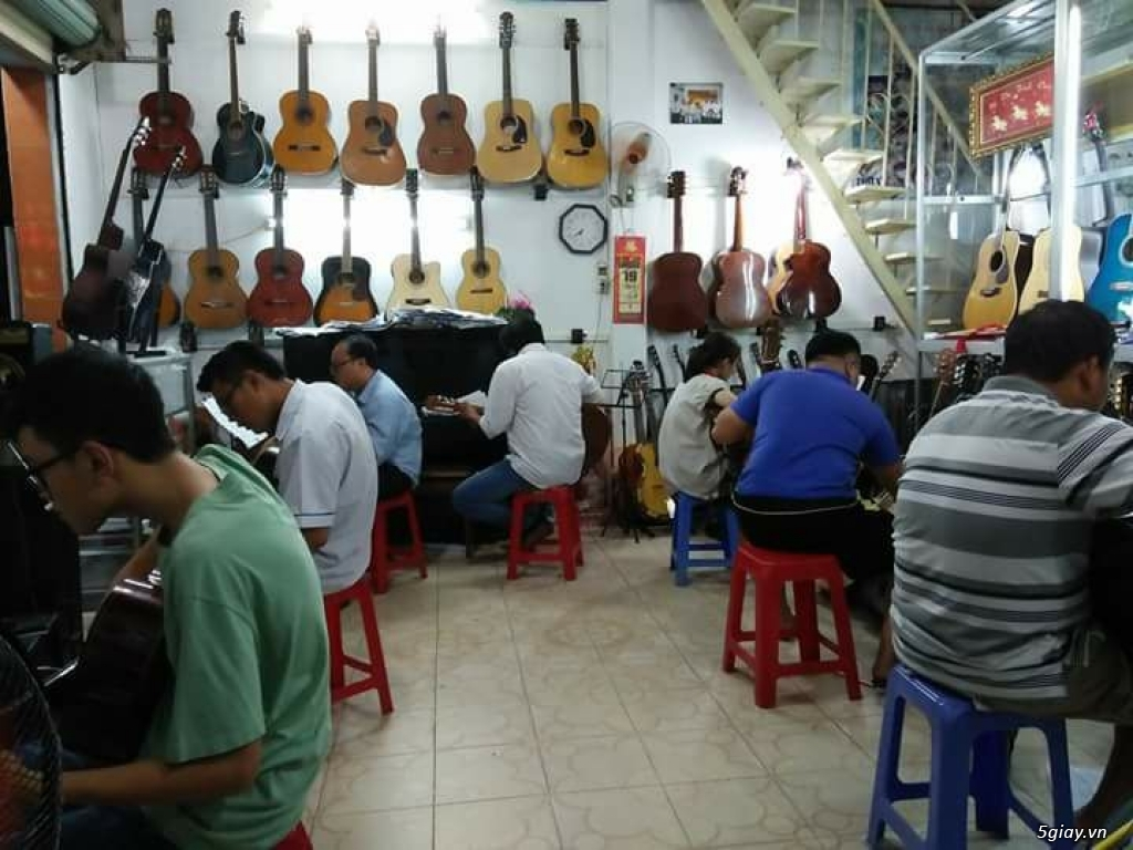 Nhận dạy kèm Guitar ở quận bảy - 1