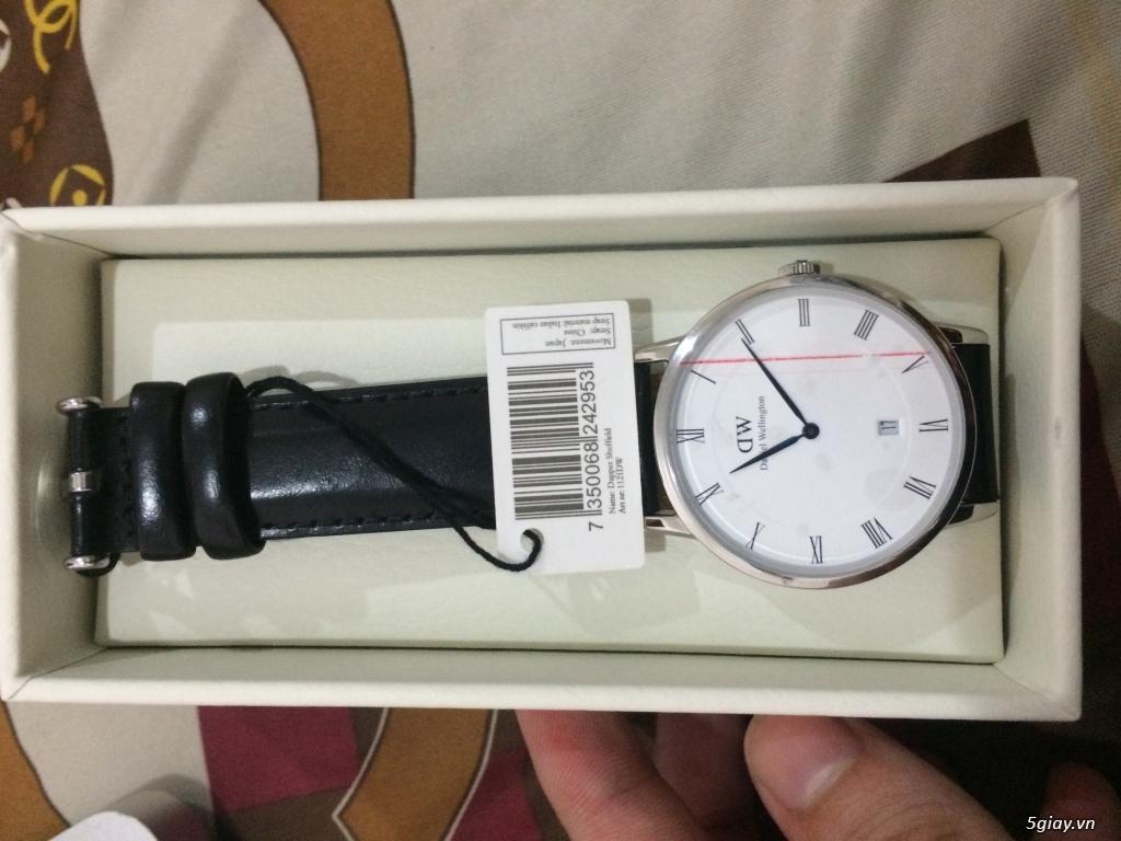 Giảm giá đồng hồ Daniel Wellington dapper chính hãng.