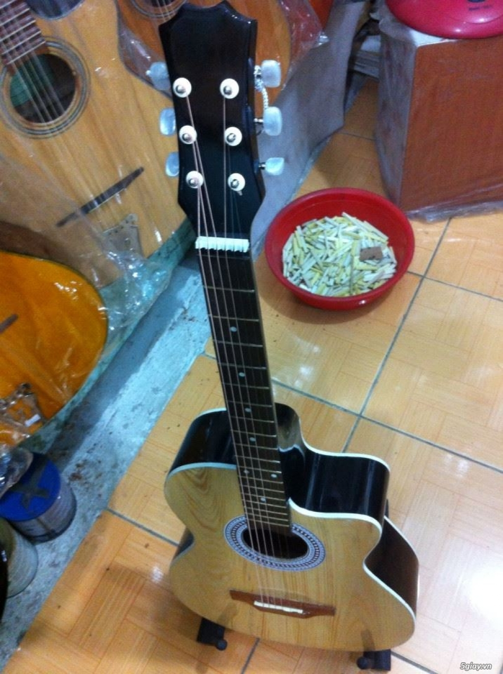 bán Đàn Guitar Giá Rẻ từ 390k tại cửa hàng nhạc cụ mới Bình Dương - 7