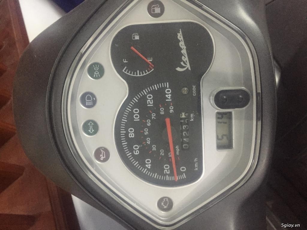 Cần bán Vespa Gts 125 date 08/2015 mới leng keng - 2