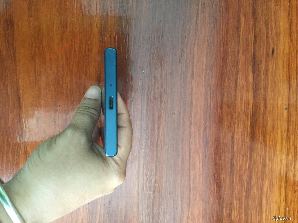 [CẦN BÁN] Sony Xperia XZ màu Forest Blue 98% - 1