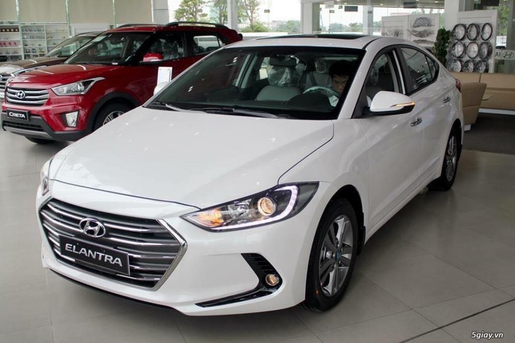 Hyundai Elantra 1.6AT Model 2016 - 3