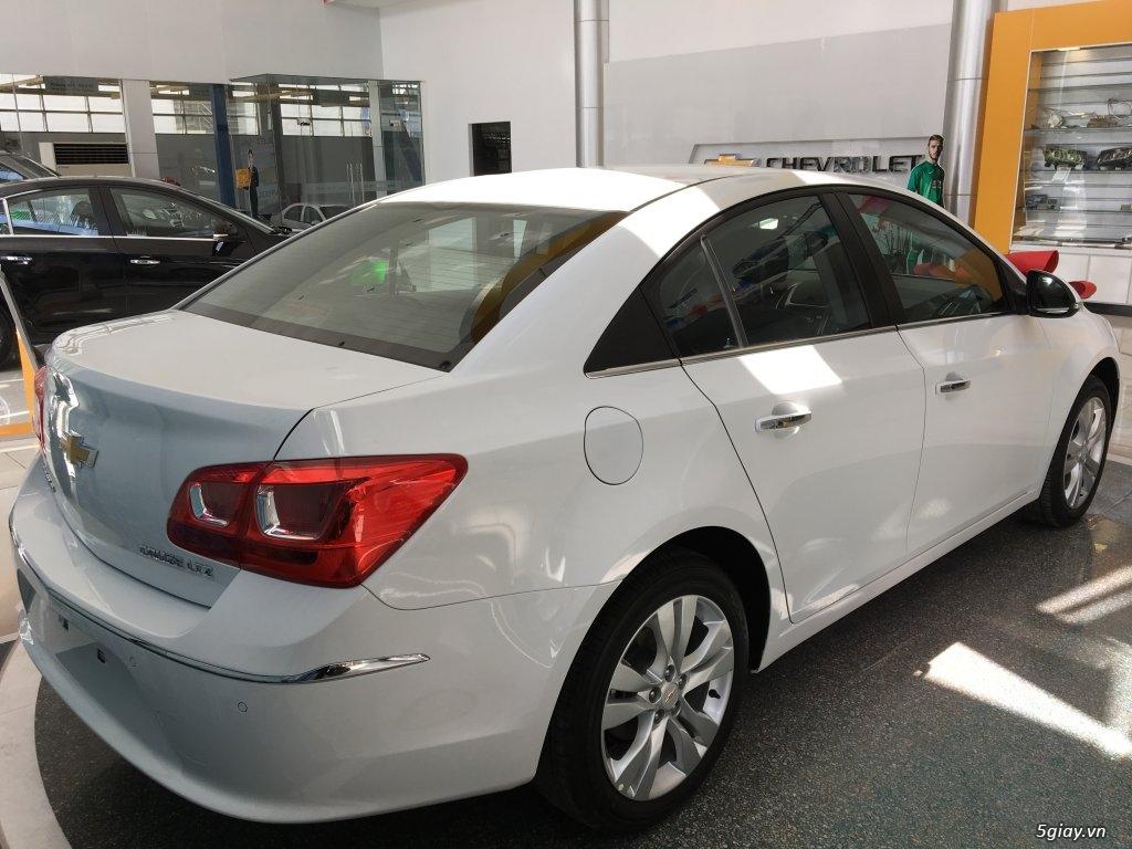 Chevrolet Cruze LT mới giá rẻ nhất SG - Vay đến 90% giá trị xe - 1