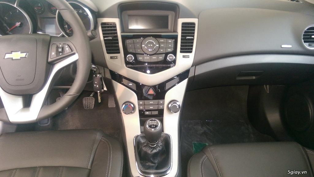 Chevrolet Cruze LT mới giá rẻ nhất SG - Vay đến 90% giá trị xe - 4