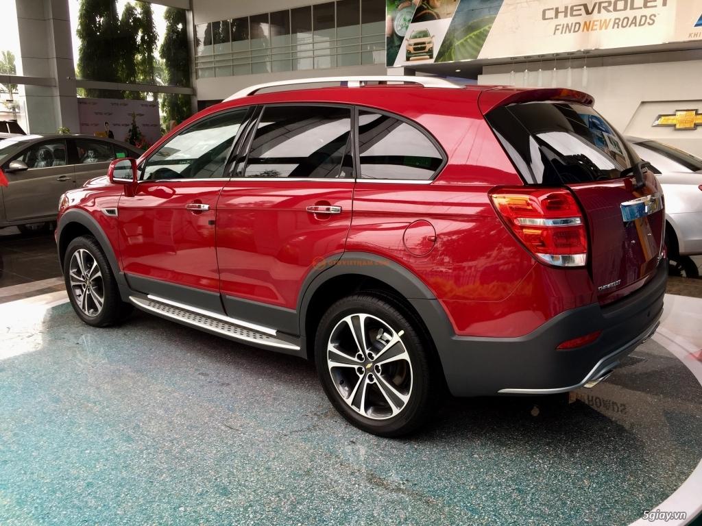 Chevrolet Captiva Revv 2017, vay đến 90%, giao xe ngay, đủ màu - 10
