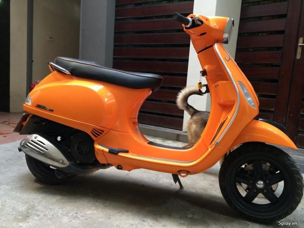 Cần bán xe Vespa S màu cam 125 3vie 2013