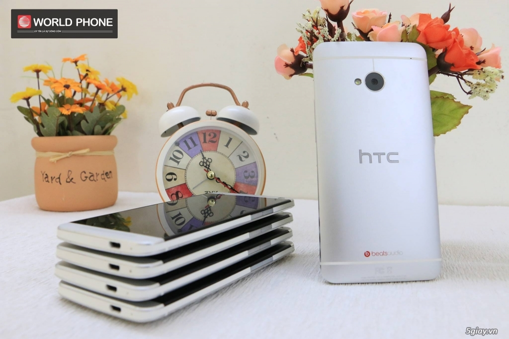 HTC One M7 - 2