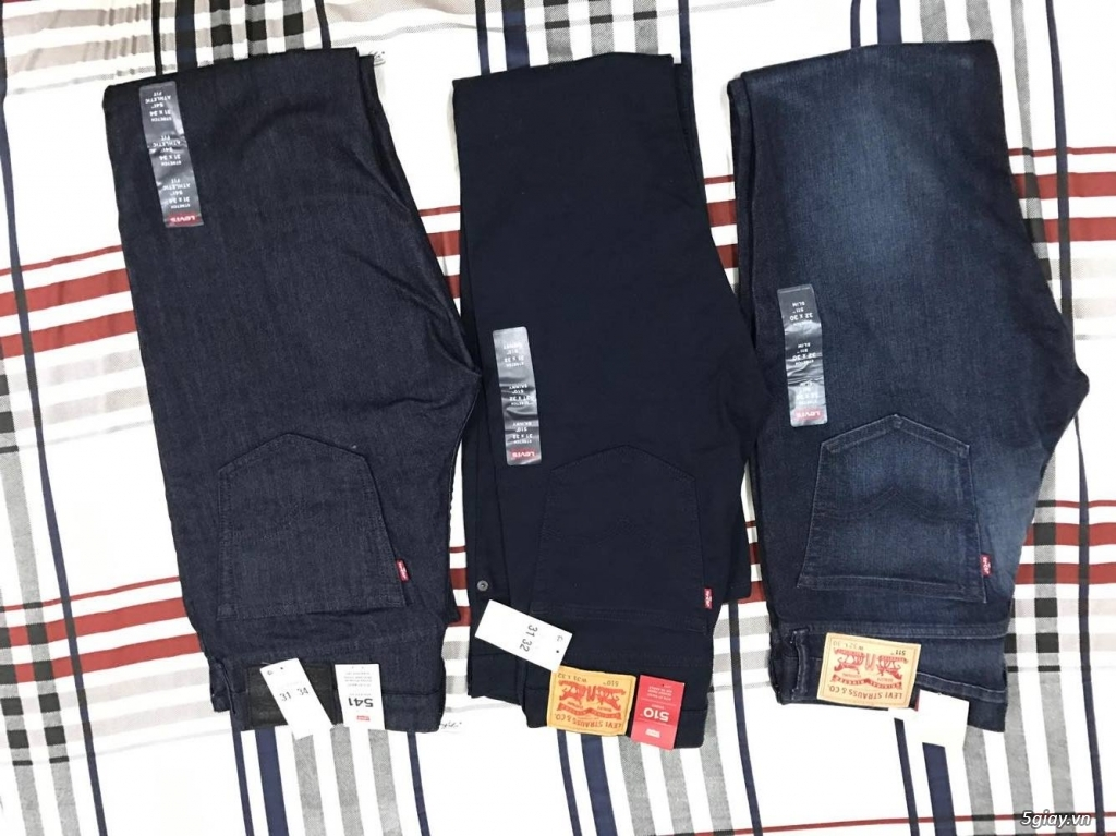 xả hàng quần áo levis chính hãng mới 100% còn tag. giá siêu rẻ