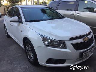 Chevrolet Cruze trắng sáng như Trinh - 1