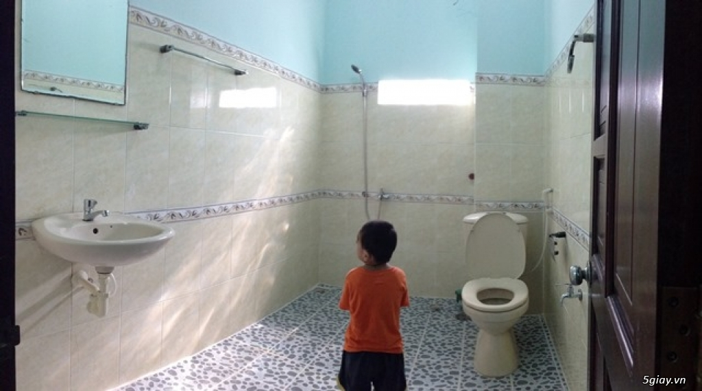 Phòng mới 34m2, sạch sẽ, mặt tiền Phan Văn Trị, ban công lớn, WC riêng