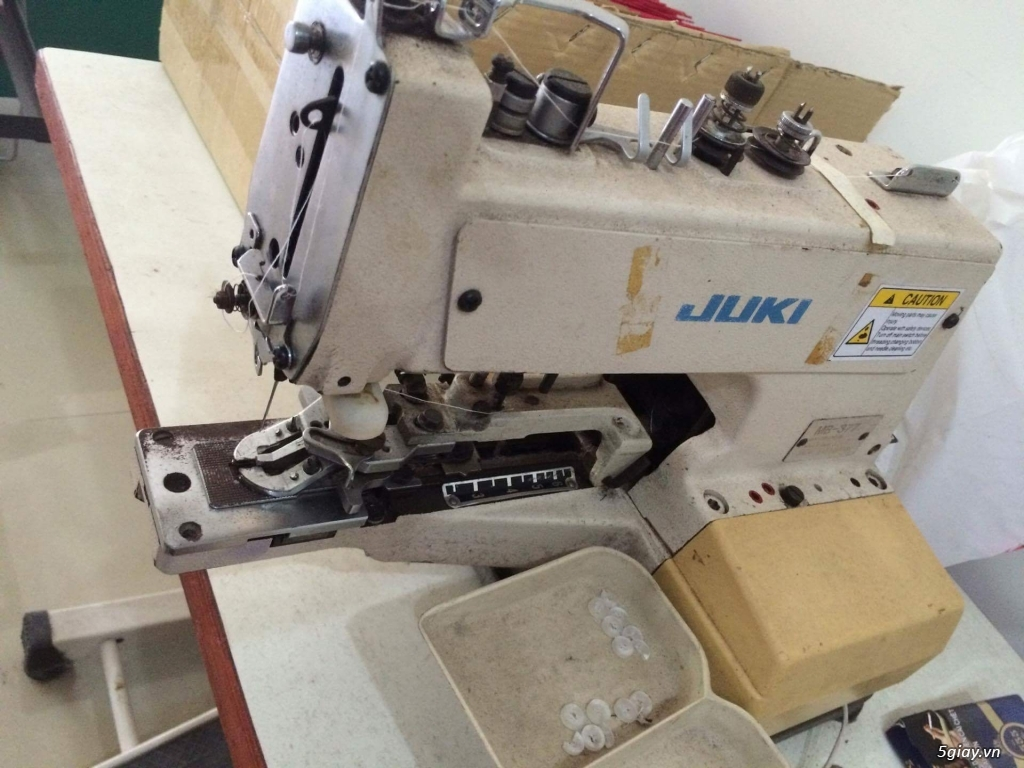 Cần bán máy thùa khuy juki 780 và máy nut juki 377 ( hàng nhật) - 1
