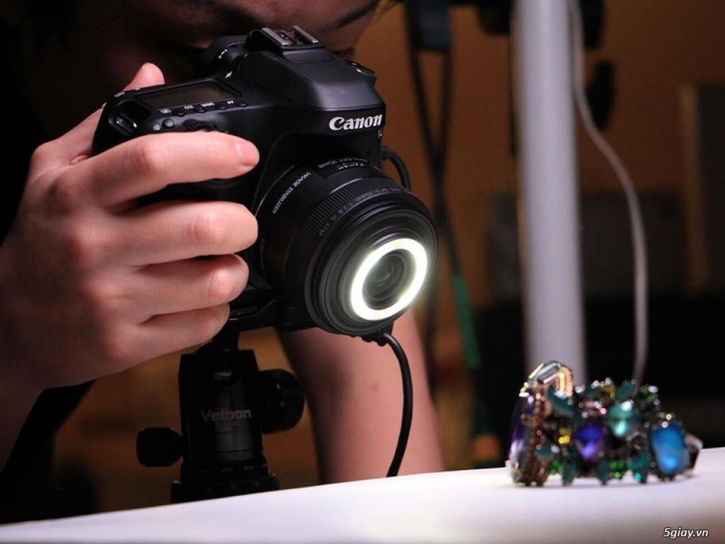 Canon giới thiệu ống kính Macro tích hợp đèn Led xung quanh - 187270