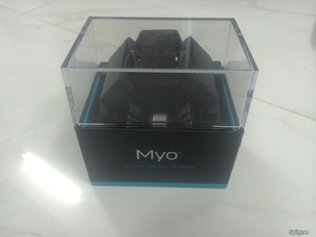 Vòng tay Myo Armband điều khiển thiết bị công nghệ