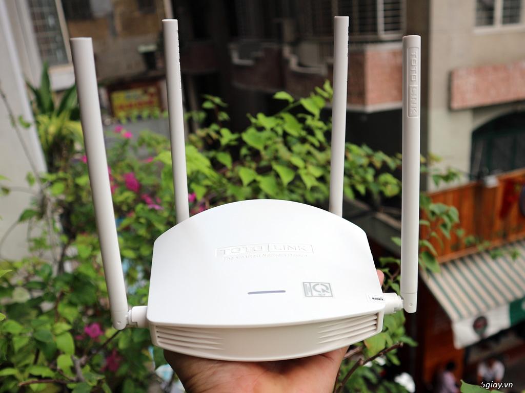 """Trên tay Totolink N600R: thiết bị WiFi chuẩn N tốc độ """"tối đa"""" 600mbps"""