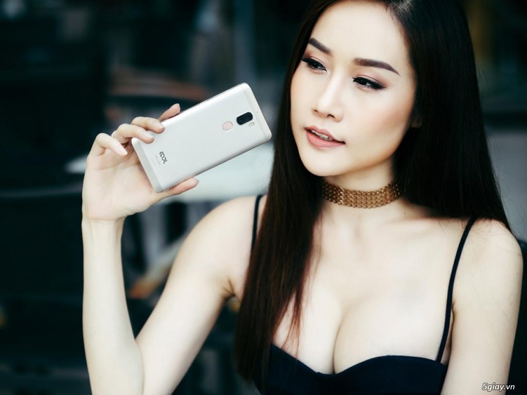 Ai đẹp hơn: người mẫu hay smartphone Coolpad Cool Dual? - 192026