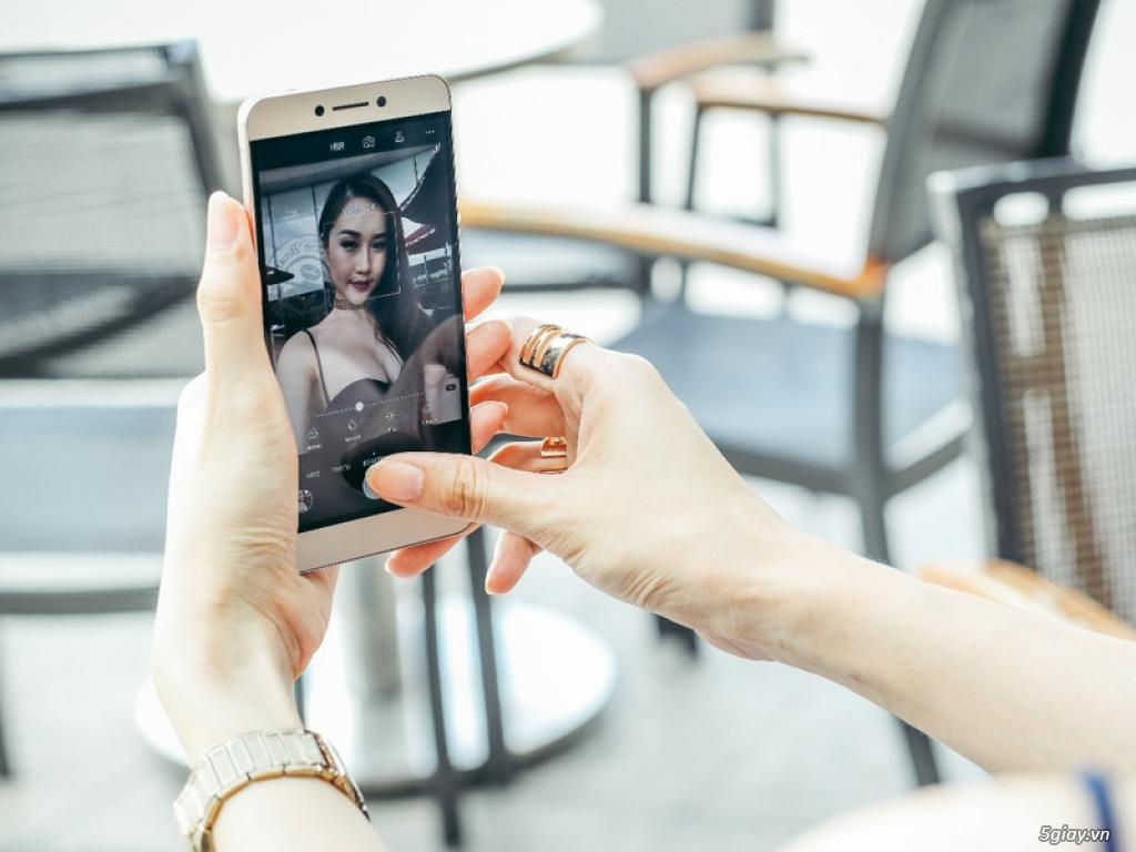 Ai đẹp hơn: người mẫu hay smartphone Coolpad Cool Dual? - 192033