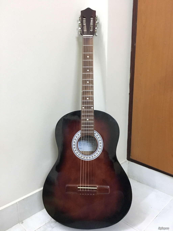 Cần bán Guitar Classic mới 99%